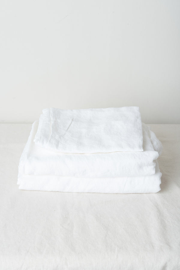 in bed queen linen sheets white