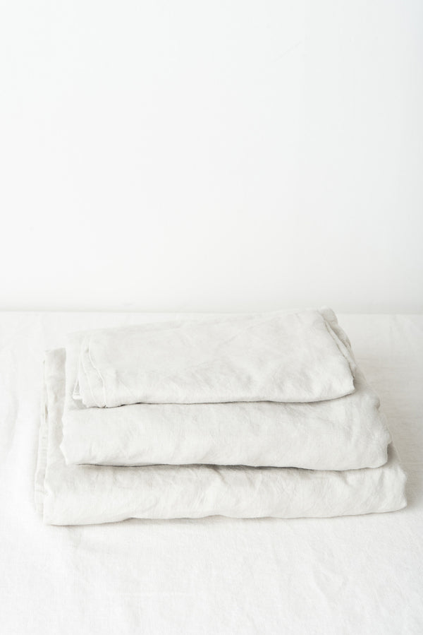 in bed linen sheet set dove