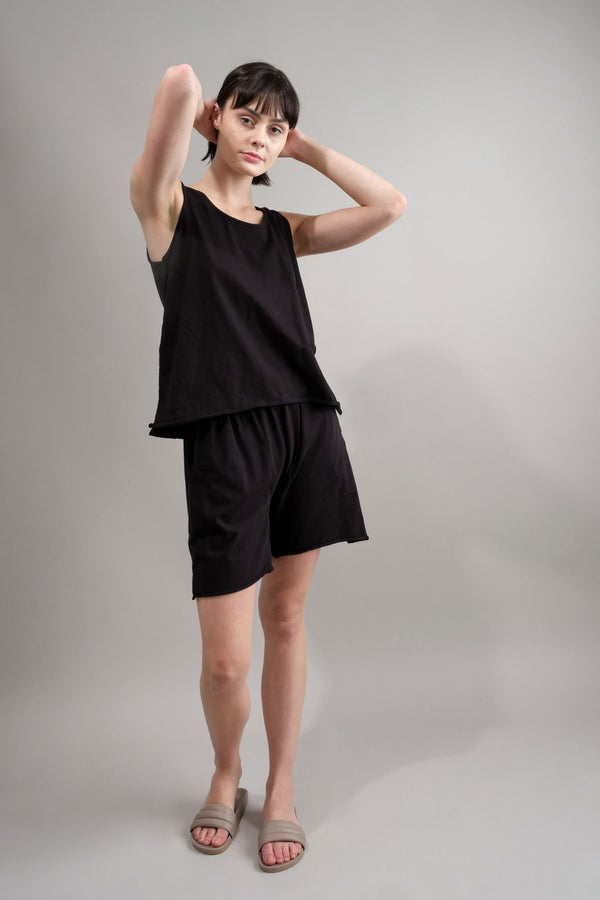 Easy Lounge Short in Black wol hide