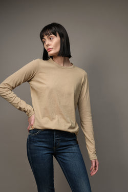 Heritage Scoop Hem Long Sleeve T-shirt in Latte Bassike