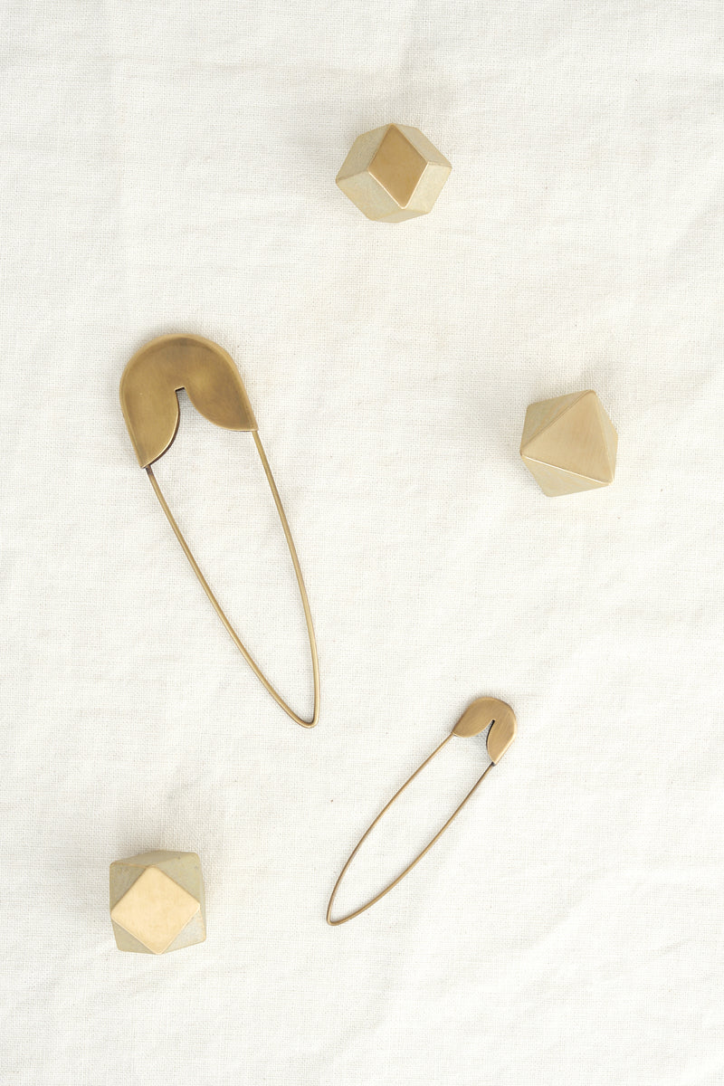 Fog Linen Work brass safety pins