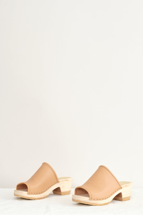 No. 6 Daria Clog on Mid Heel In Naked