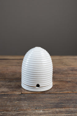 Farmhouse Pottery Beehive Buzz Off Burner In White