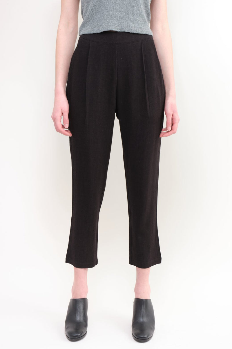 7115 by Szeki Signature Relaxed Tapering Trouser Black