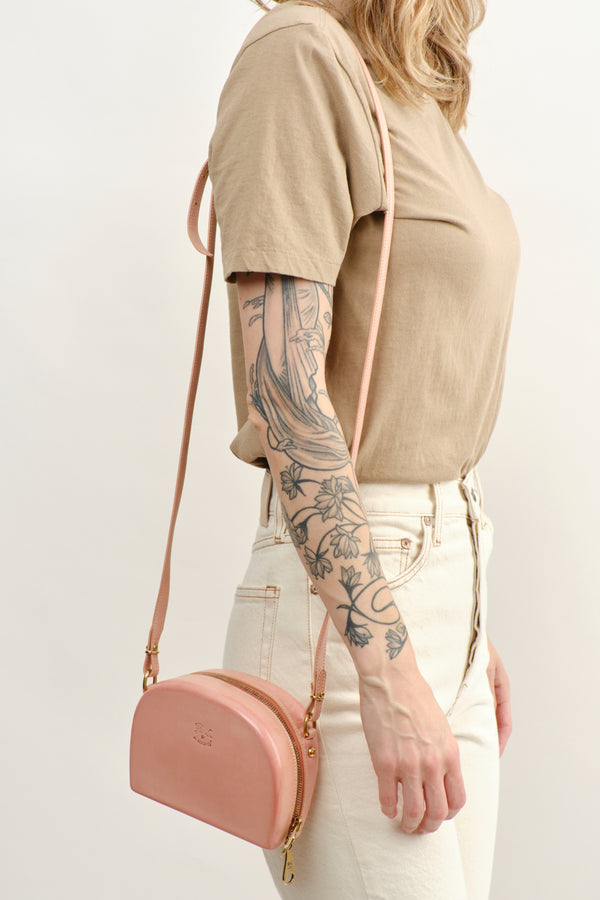 Il Bisonte Hard Sided Crossbody Bag Rosa