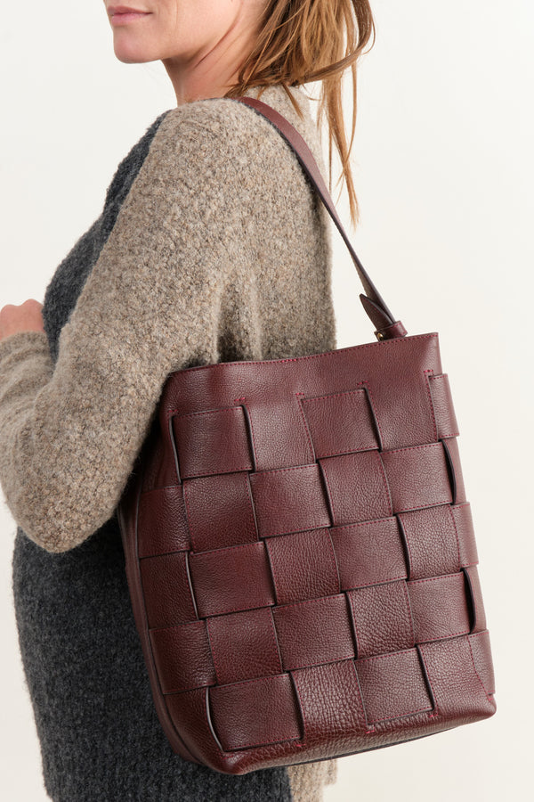 Lotuff Woven Bucket Shoulder Bag Cordovan
