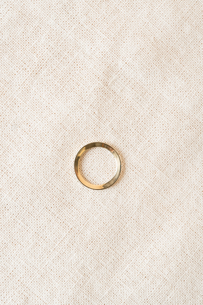 perfect simple gold ring