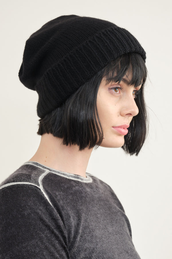Mature Ha. pleats knit cap in black