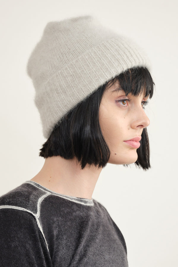 Mature Ha. blue fox pleats knit cap