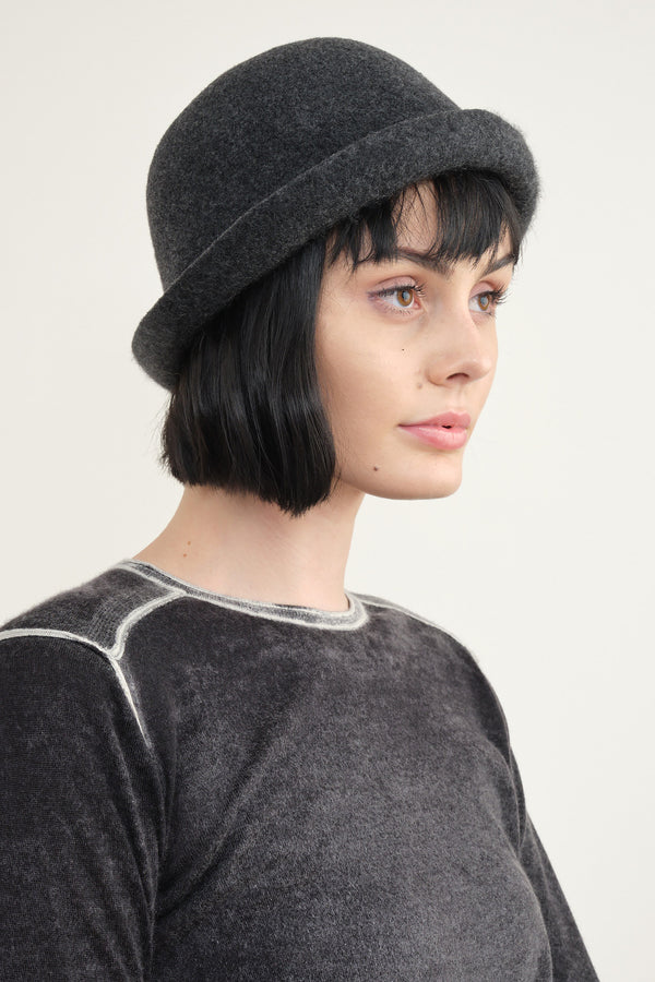 Mature Ha. cashmere bell hat