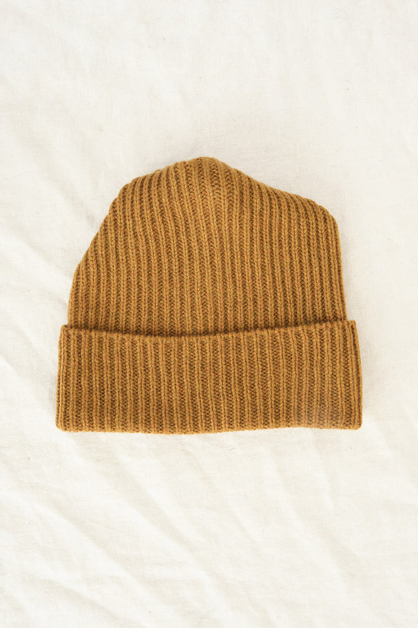 Mature Ha. pleats knit cap in mustard