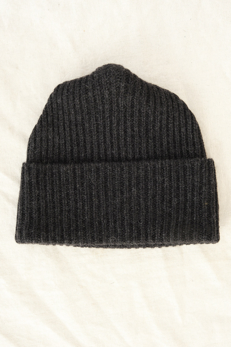 charcoal pleats knit cap