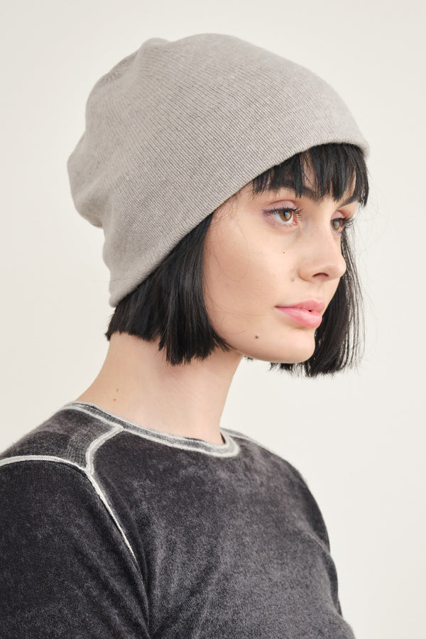 Mature Ha. slant cutting knit cap