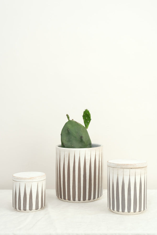 MQuan grey striped jars