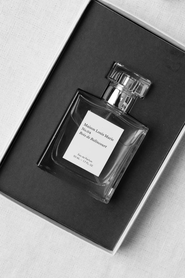 eau de parfum with sandalwood