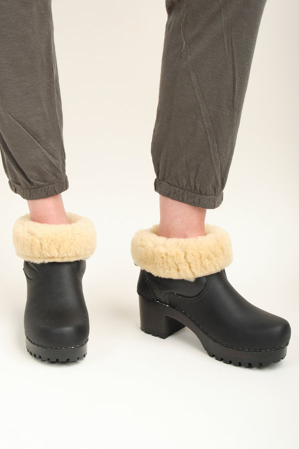 "No. 6 5"" Pull on Shearling Clog Boot on Mid Tread In Ink Aviator"