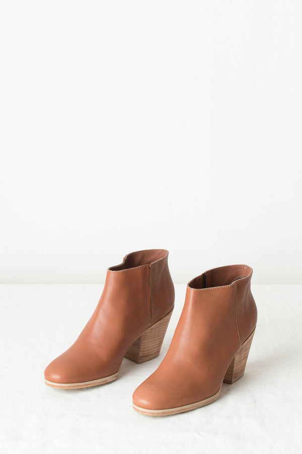 whiskey mrs boot