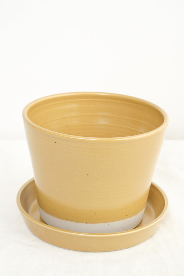 WRF Lab Ceramics medium planter ash
