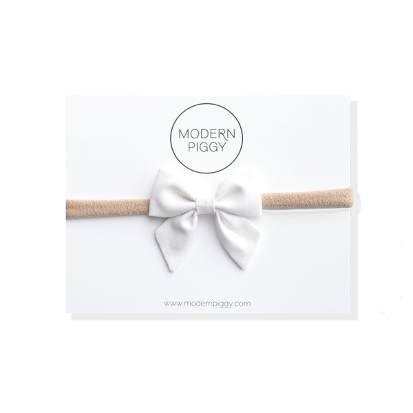 True White | Mini Piggy Bow