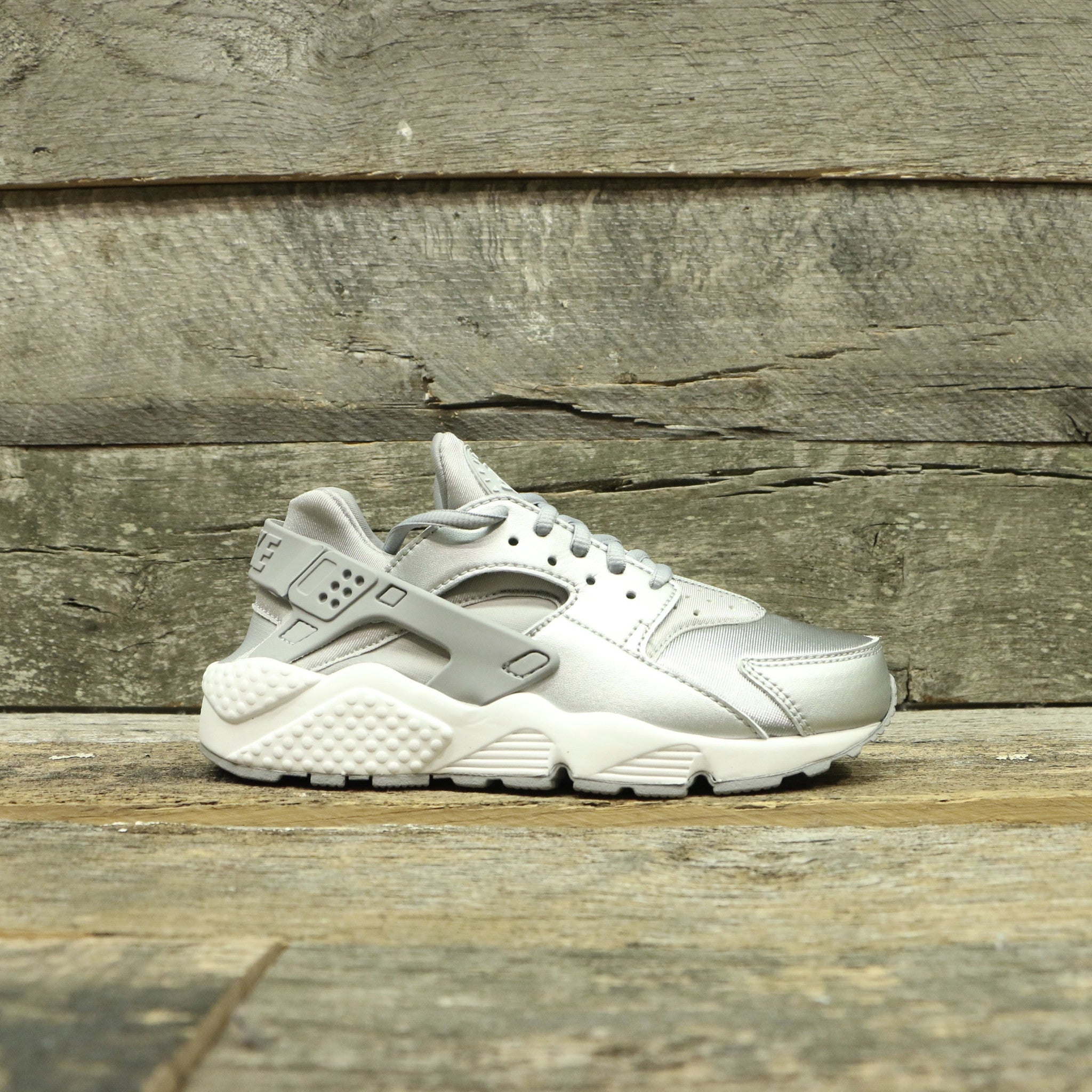 AIR HUARACHE RUN SE WOMEN'S