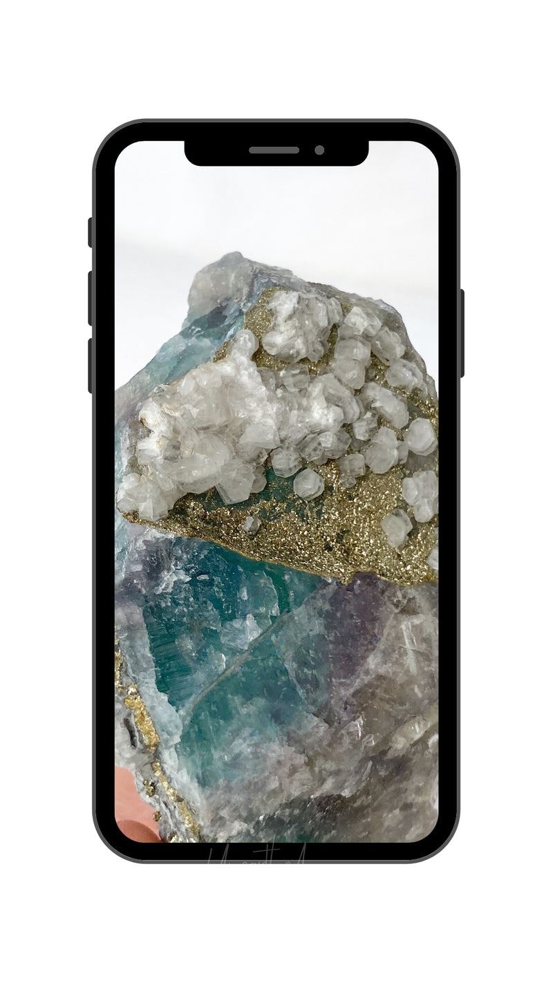Free Download | Phone Background 9 - Unearthed Crystals