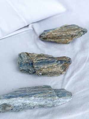 Kyanite Blade Rough | XXL - Unearthed Crystals