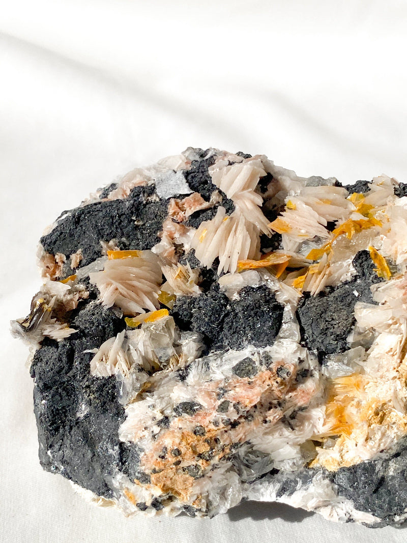 Wulfenite Specimen - Unearthed Crystals