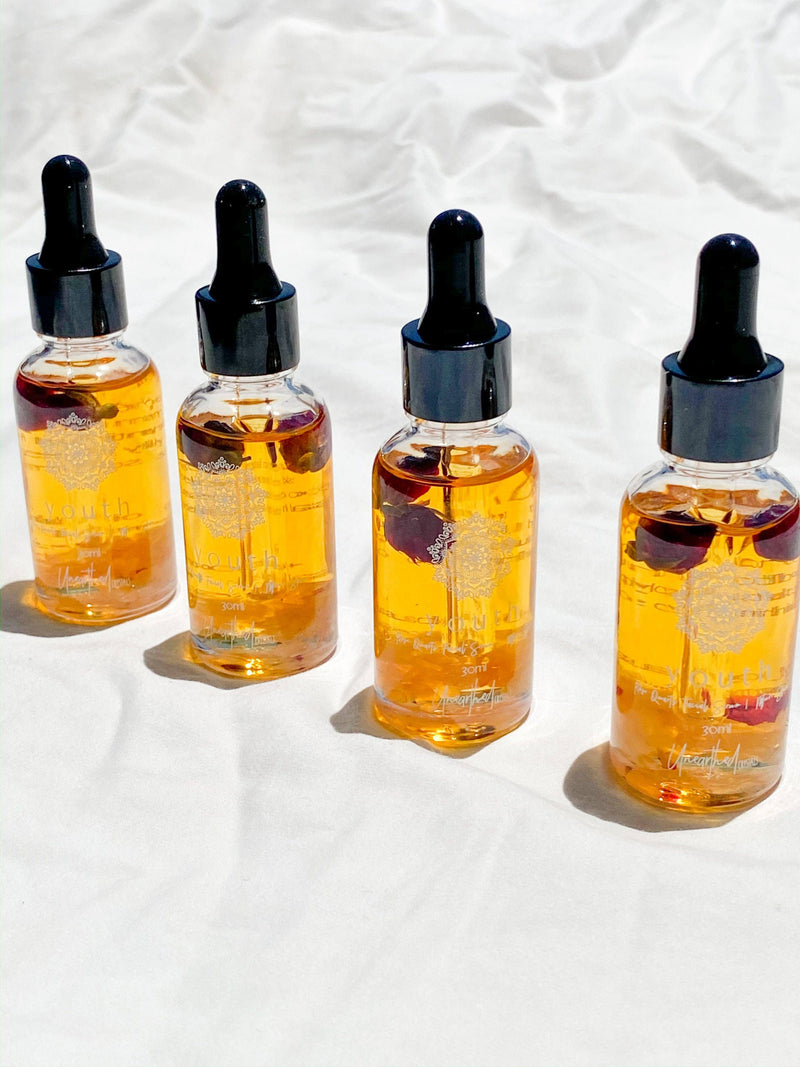 YOUTH // Rose Quartz Facial Serum | Mature Skin © - Unearthed Crystals