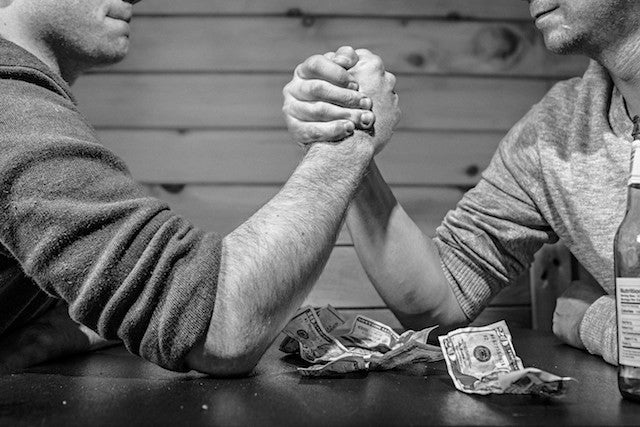 articles/arm_wrestle.jpg