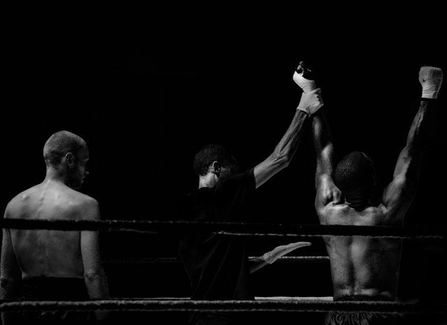 articles/black-and-white-sport-fight-boxer.jpg