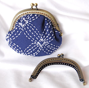 Clasp purse with sashiko stitching