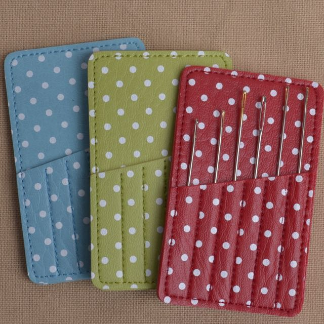carry card for hand stitching needles