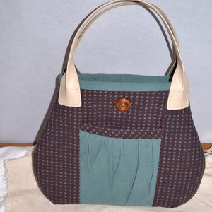 sample of The Poachers Bag pattern (without the flap)