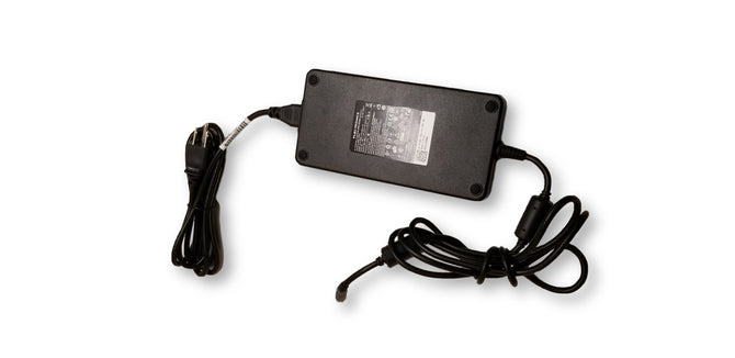 Flextronics AC Adapter 240W AC Adapter GA240PE1-00 FHMD4 19.5V PA-9E