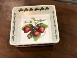 "Port Merion English Elastra Strawberry Fire & Ice Deep Square Serving Dish 9.5"" x 4"""