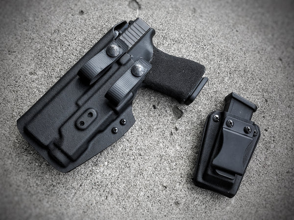 Illuminati Light-Bearing AIWB Holster