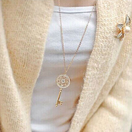 Shining Rhinestone Key Sweater Necklace