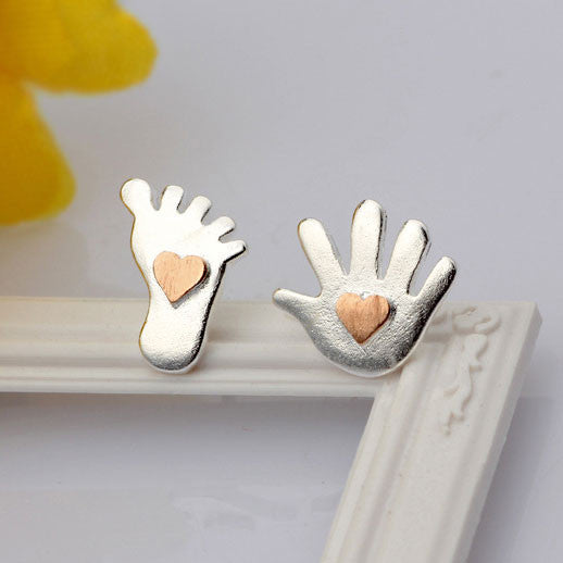 Adorable Palm Sole Heart Silver Stud Earrings - lilyby