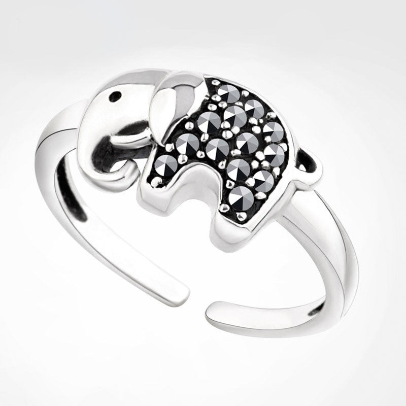 Retro Lucky Elephant  Rhinestone Animal Ring - lilyby