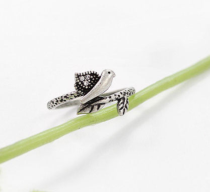 Retro Bird Ancient Silver Rhinestone Animal Ring - lilyby