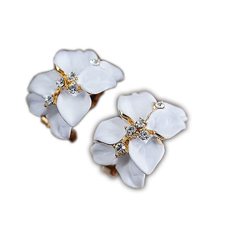 New Graceful Pretty Clover Petals Rhinestone Earrings Studs - lilyby
