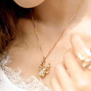 Fashion Crystal Lucky Deer Pendant Necklace - lilyby