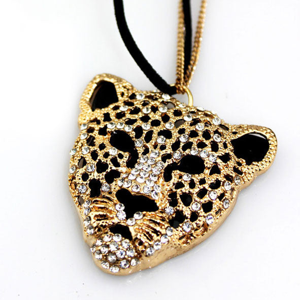 Bohemia Leopard Head Hollow Sweater Necklace - lilyby