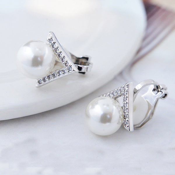 Cute Pearl Inlay V Shape Diamond Triangle Silver Women Earring Studs
