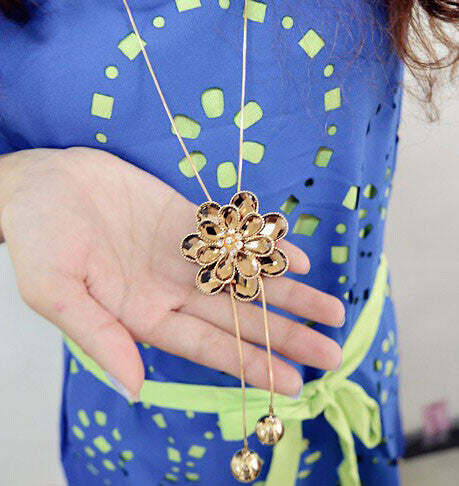 Flower Fringed Rhinestone Long Sweater Chain Necklace - lilyby