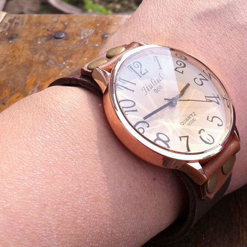 Retro Concise Rivet Leather Wrist Watch - lilyby