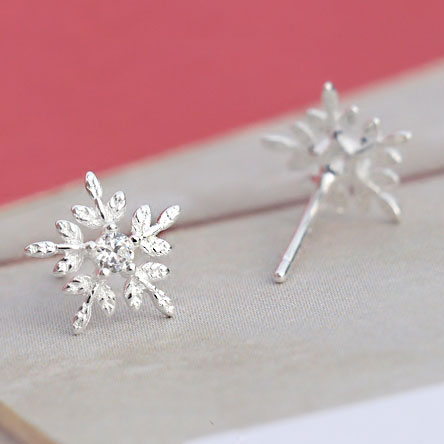 Pure Snowflake Crystal Mini Shining Christmas Style Girl's Silver Earring Studs
