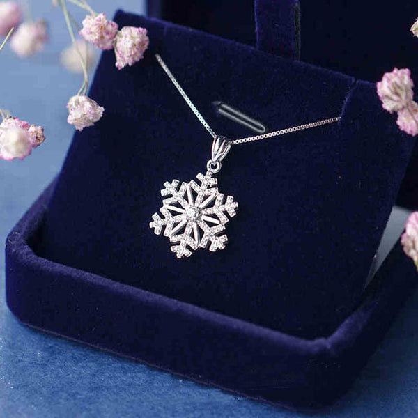 Cute Clavicle Chain Necklace Diamond-studded Snowflake Pendant Silver Winter Style Cool Fashion Necklace