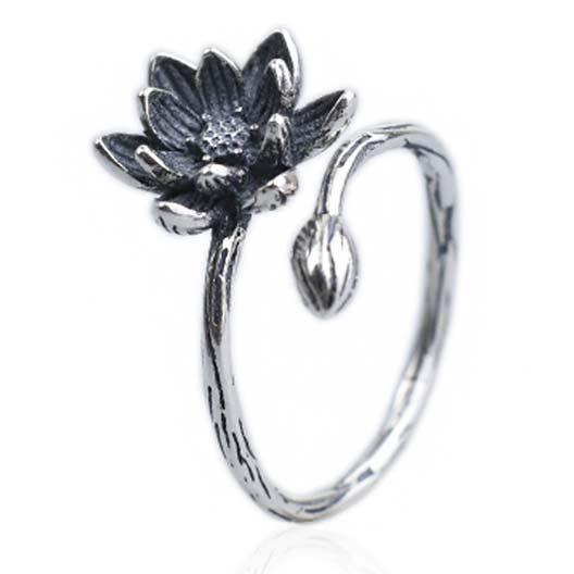 Unique Girl's Vivid Stereo Lotus Flower Retro Silver Open Ring