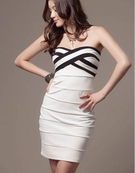 Sweet Cross-striped Black And White Mixed Colors Slim Sexy Dress